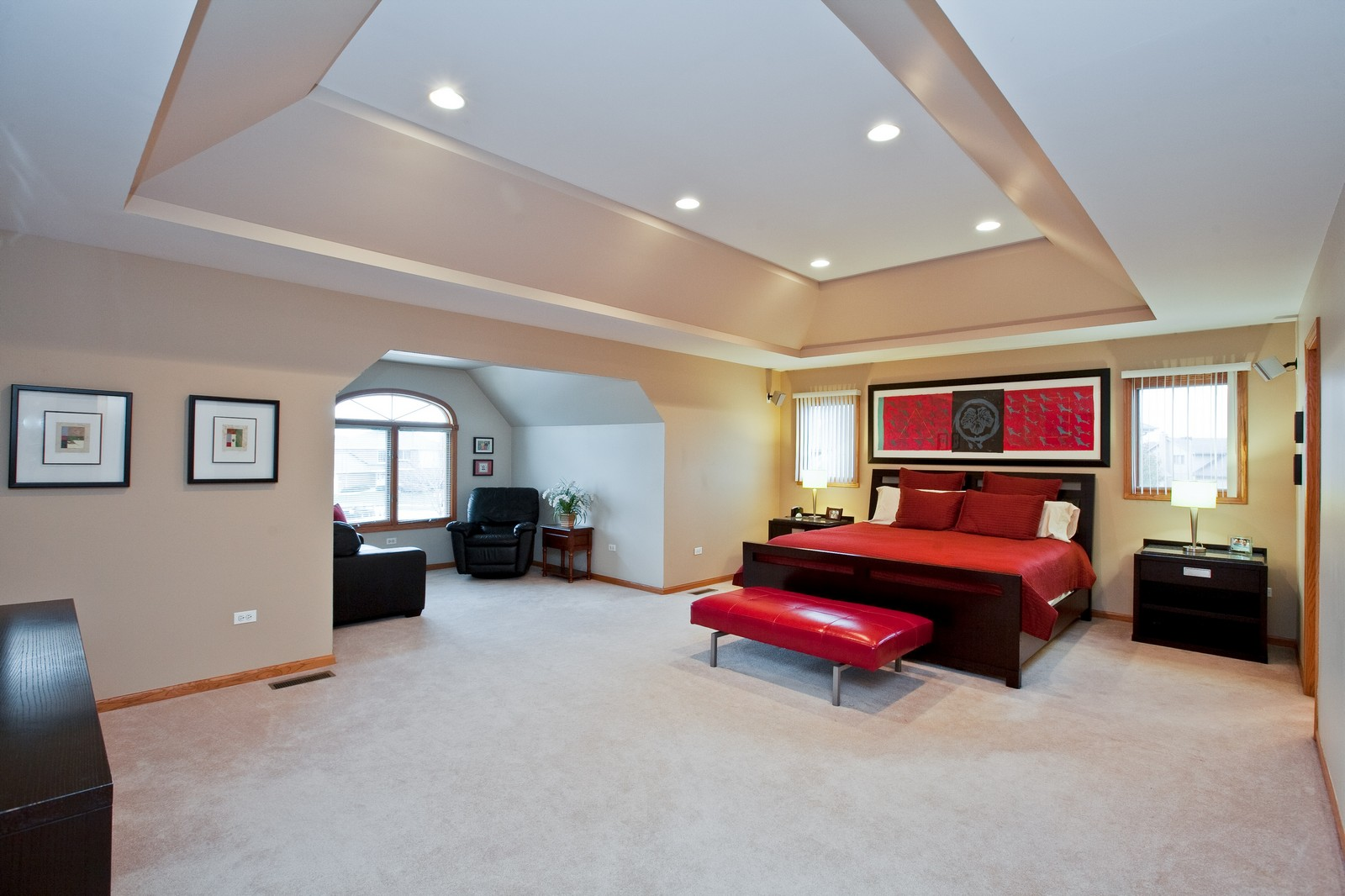 Real Estate Photography - 2 Abbey Court, Woodridge, IL, 60517 - Master Bedroom