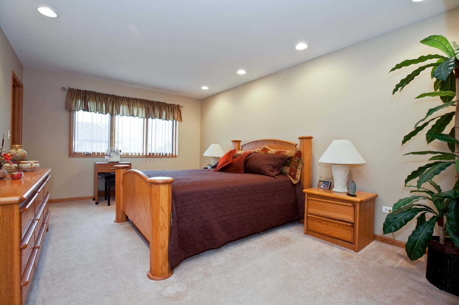 Real Estate Photography - 2 Abbey Court, Woodridge, IL, 60517 - 2nd Bedroom