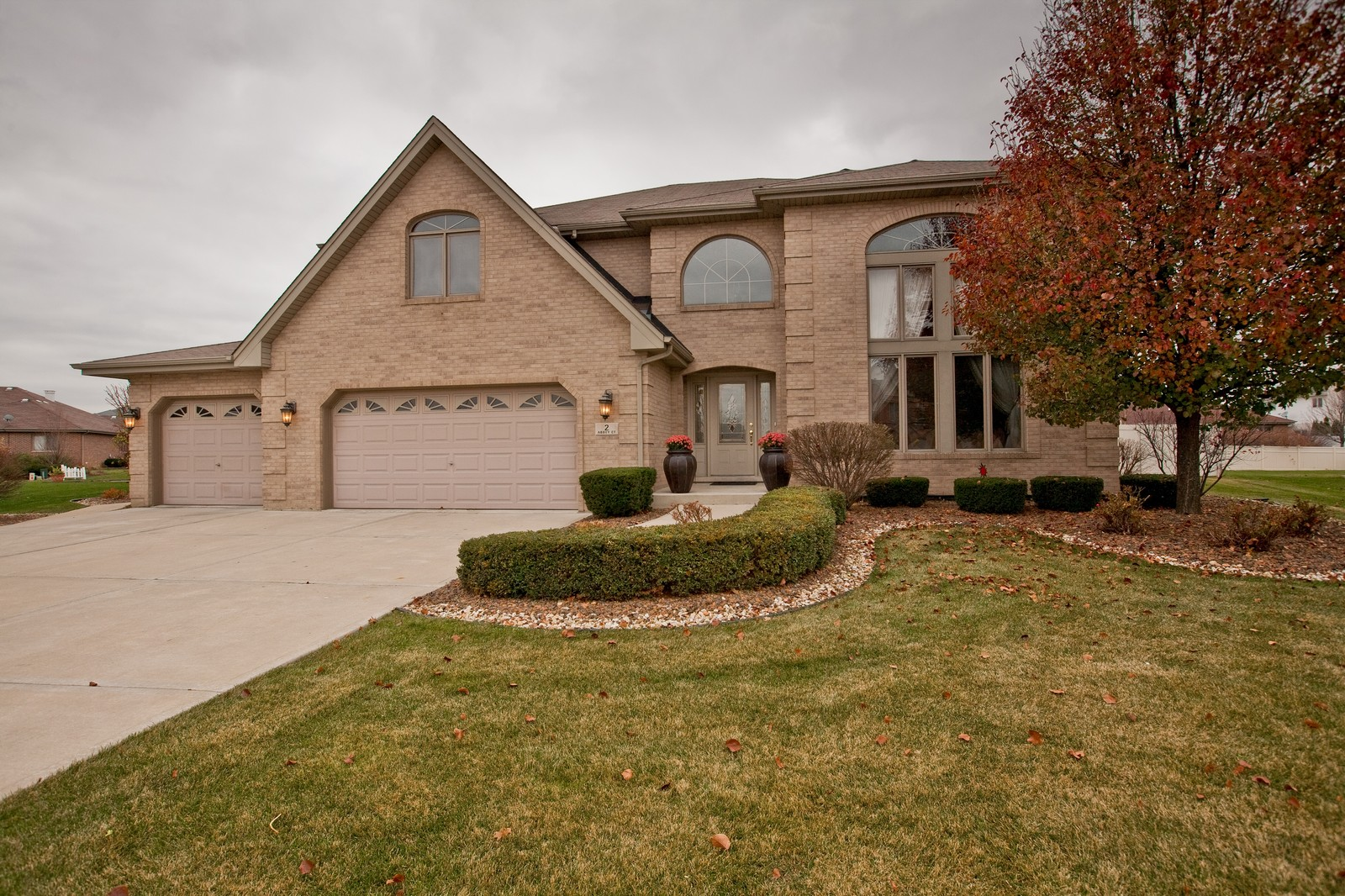 Real Estate Photography - 2 Abbey Court, Woodridge, IL, 60517 - Front View