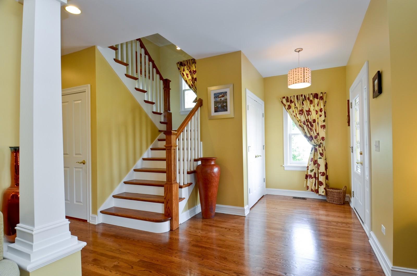 Real Estate Photography - 738 Western Ave., Glen Ellyn, IL, 60137 - Foyer