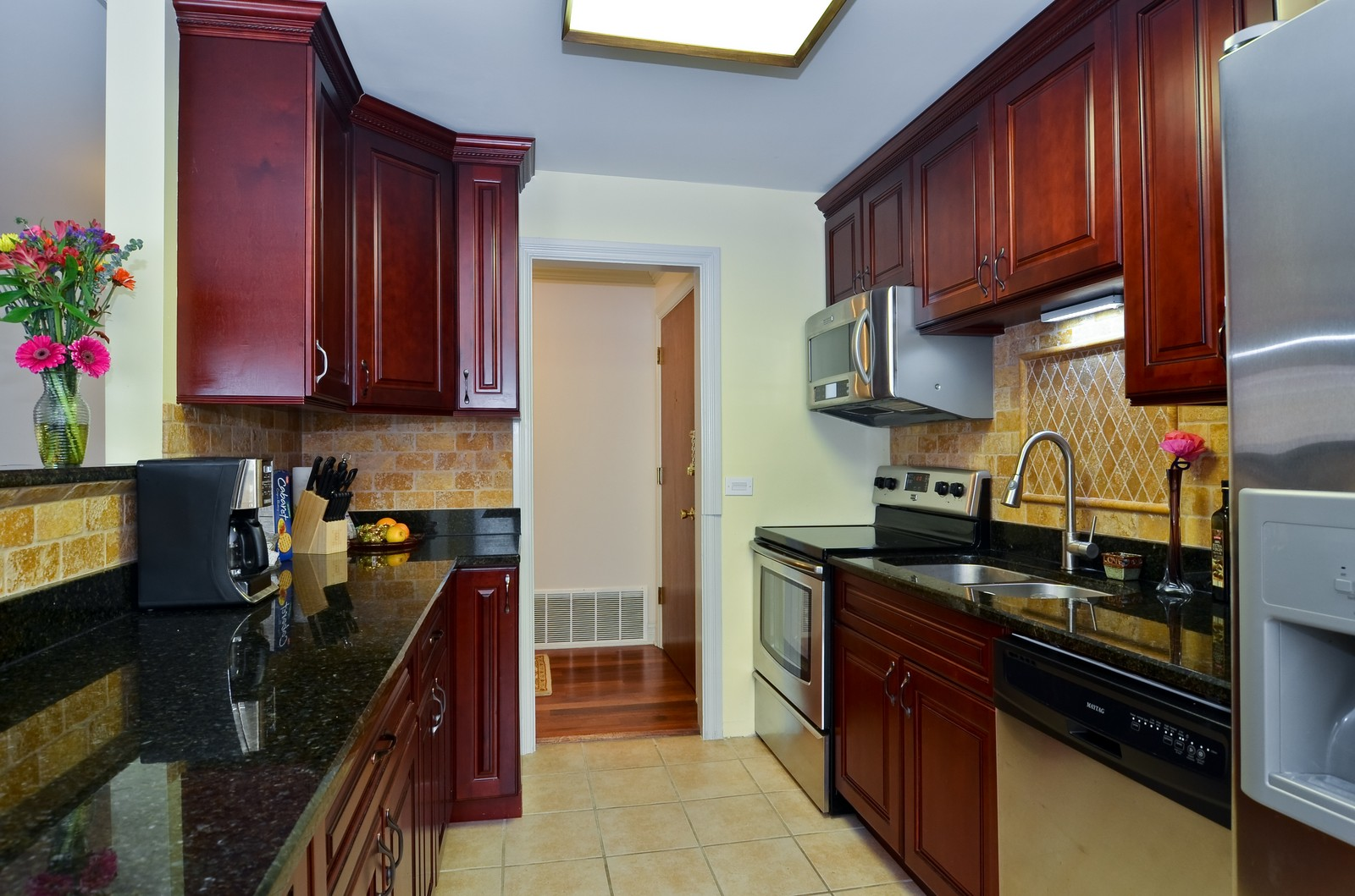 Real Estate Photography - 7861 Niles Center Rd., 201, Skokie, IL, 60077 - Kitchen