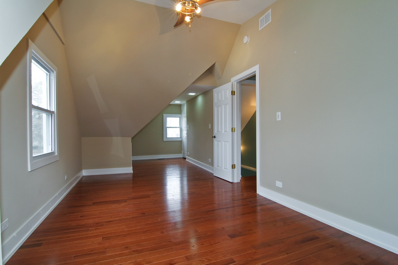 Real Estate Photography - 406 N Garfield St, Lombard, IL, 60148 - Bedroom