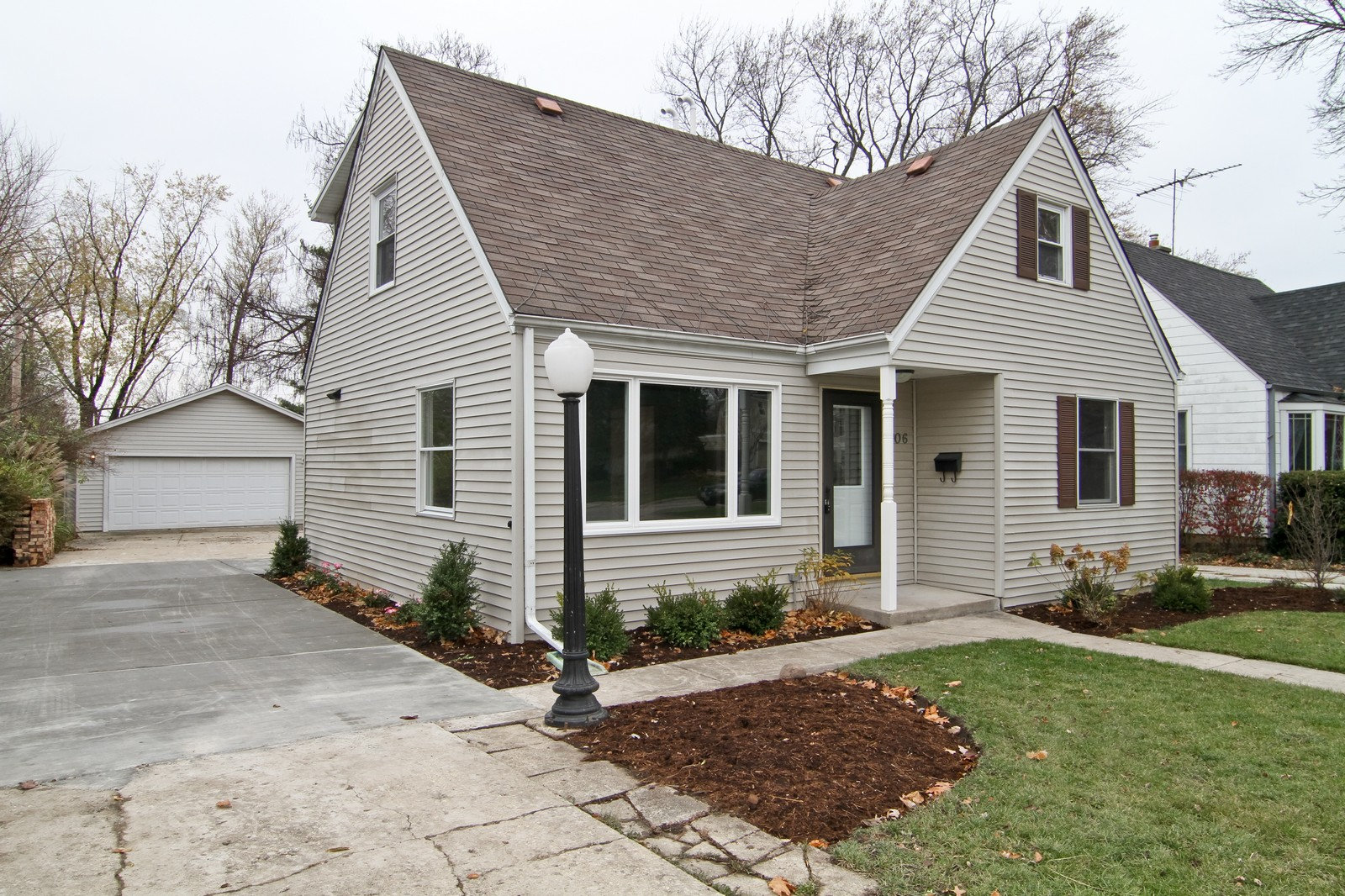 Real Estate Photography - 406 N Garfield St, Lombard, IL, 60148 - Front View