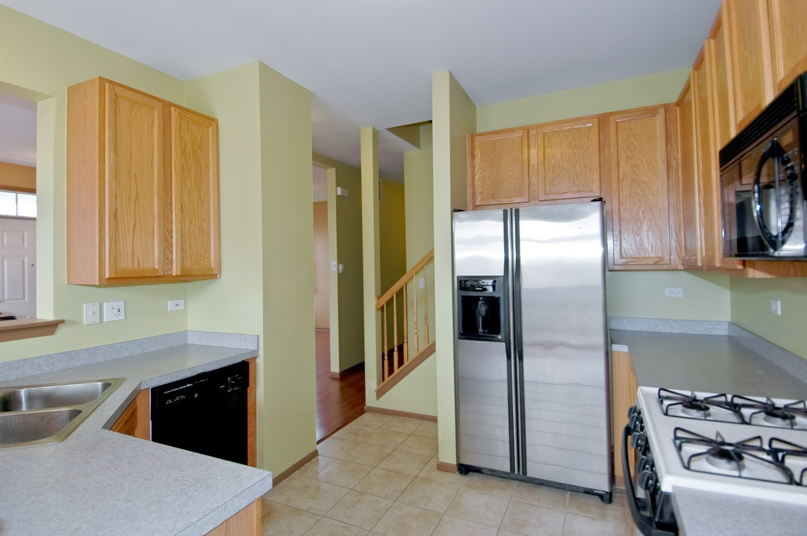 Real Estate Photography - 2988 Langston, St Charles, IL, 60175 - Kitchen