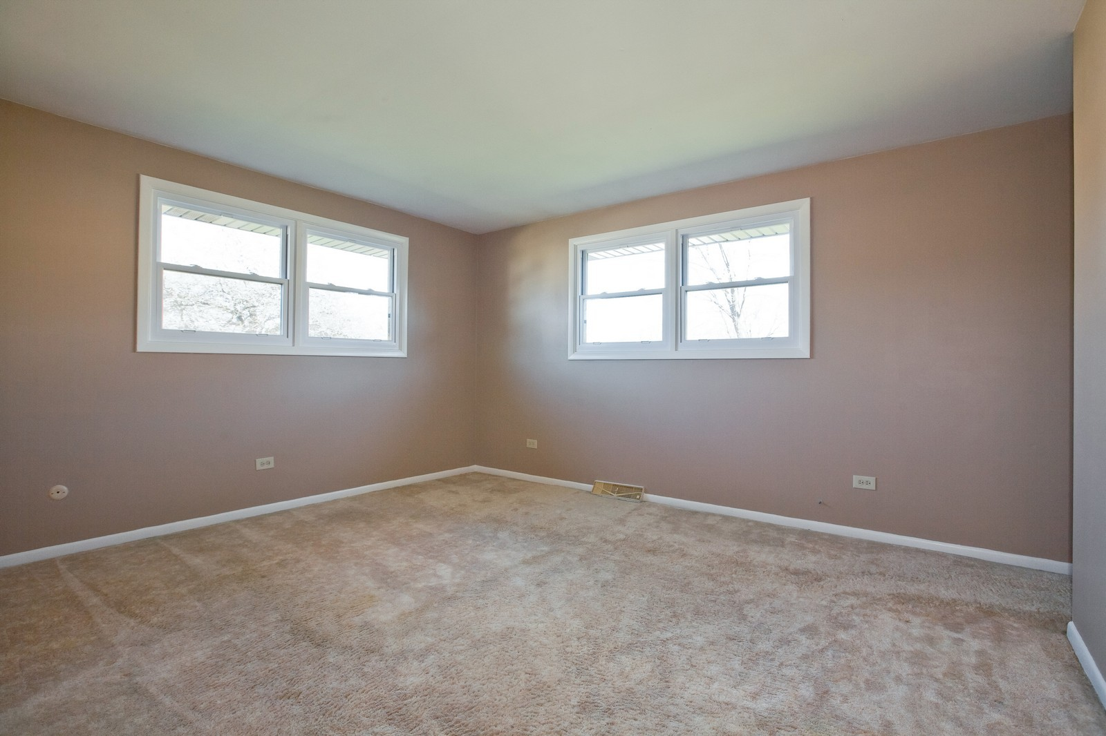 Real Estate Photography - 1330 68th Place, Downers Grove, IL, 60516 - Master Bedroom