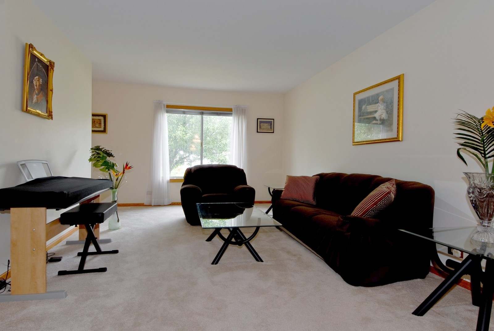 Real Estate Photography - 2610 Homestead Dr, Naperville, IL, 60564 - Living Room