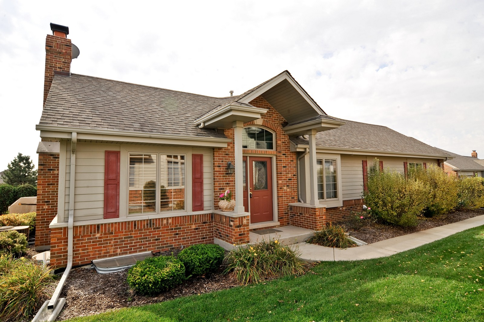 Real Estate Photography - 1153 Linden Circle, Beecher, IL, 60401 - Front View