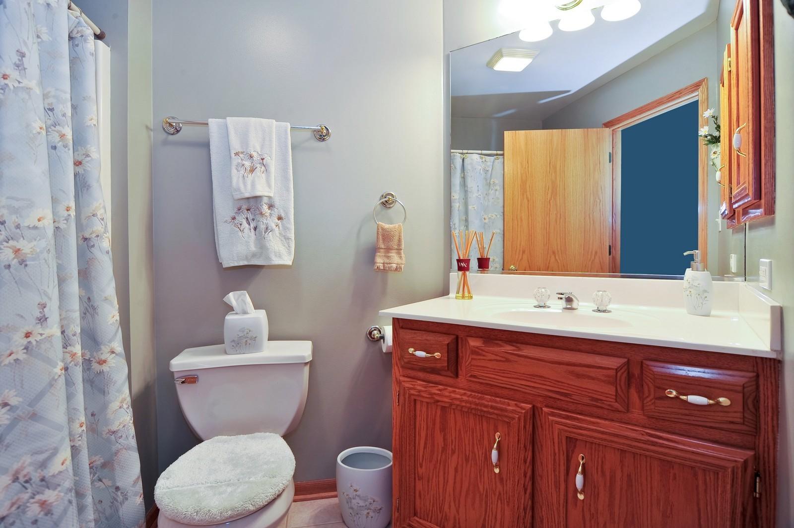 Real Estate Photography - 1153 Linden Circle, Beecher, IL, 60401 - Bathroom