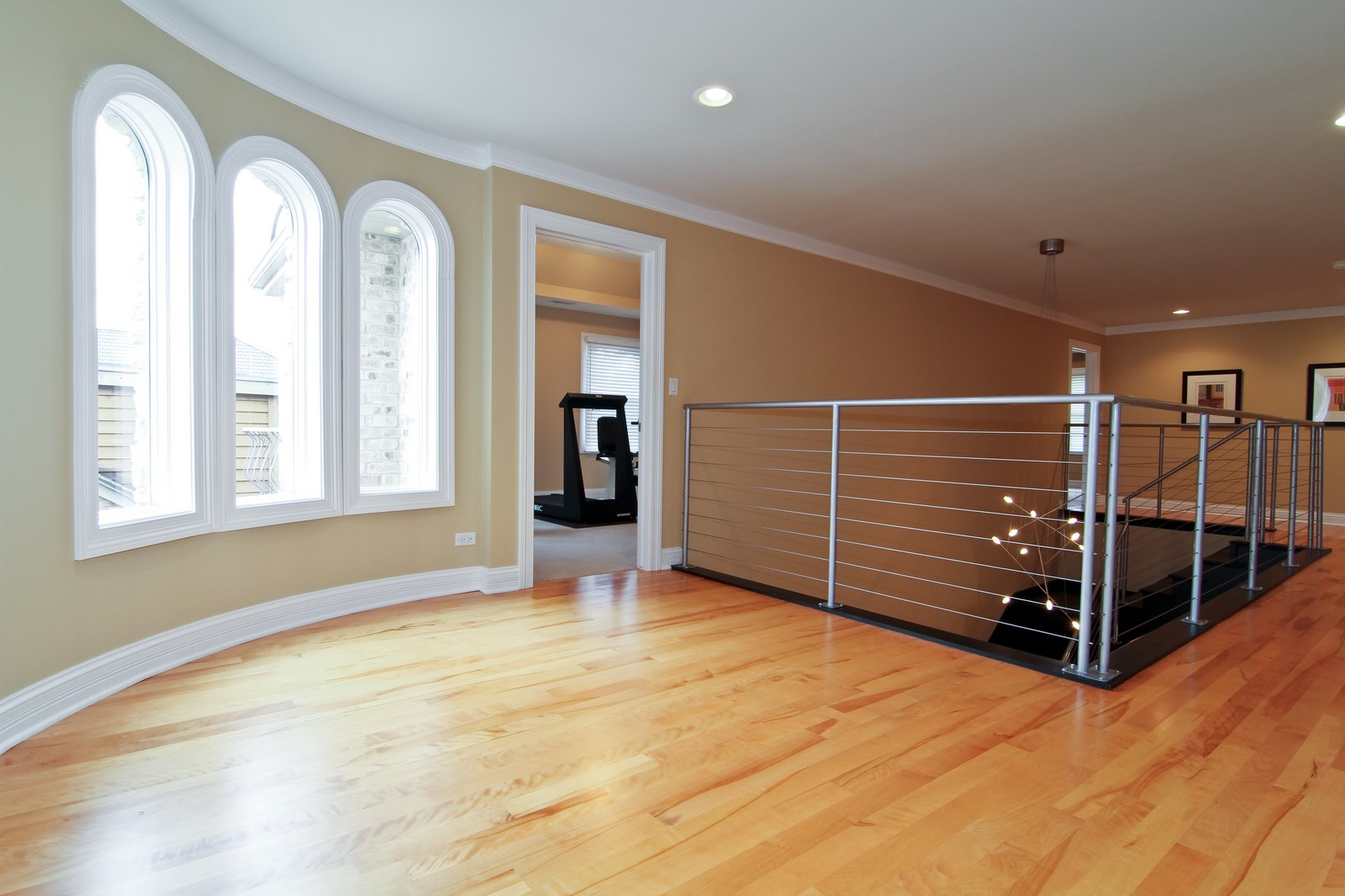 Real Estate Photography - 550 S Linden Ave, Elmhurst, IL, 60126 - 2nd Level