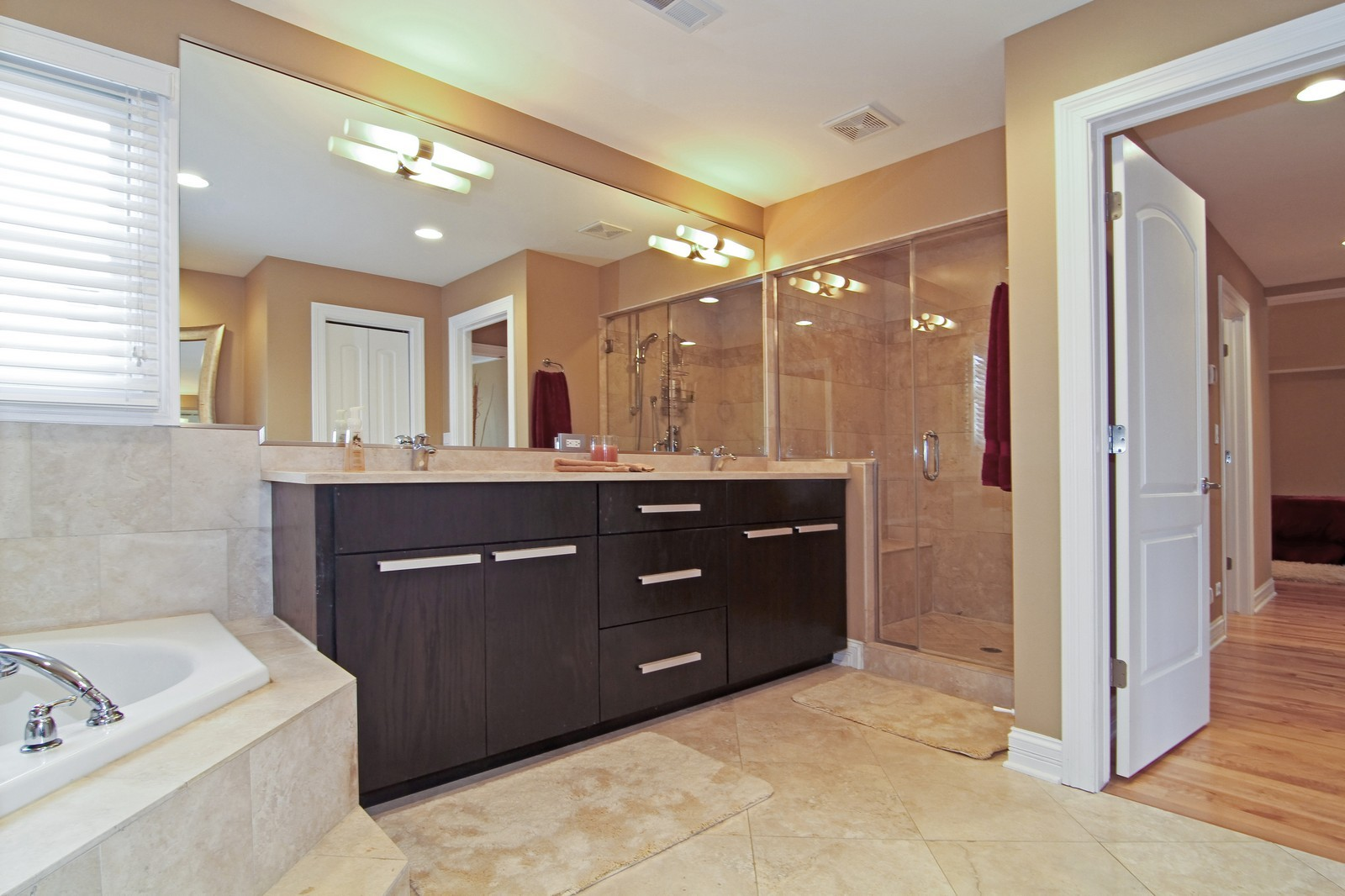 Real Estate Photography - 550 S Linden Ave, Elmhurst, IL, 60126 - Master Bathroom