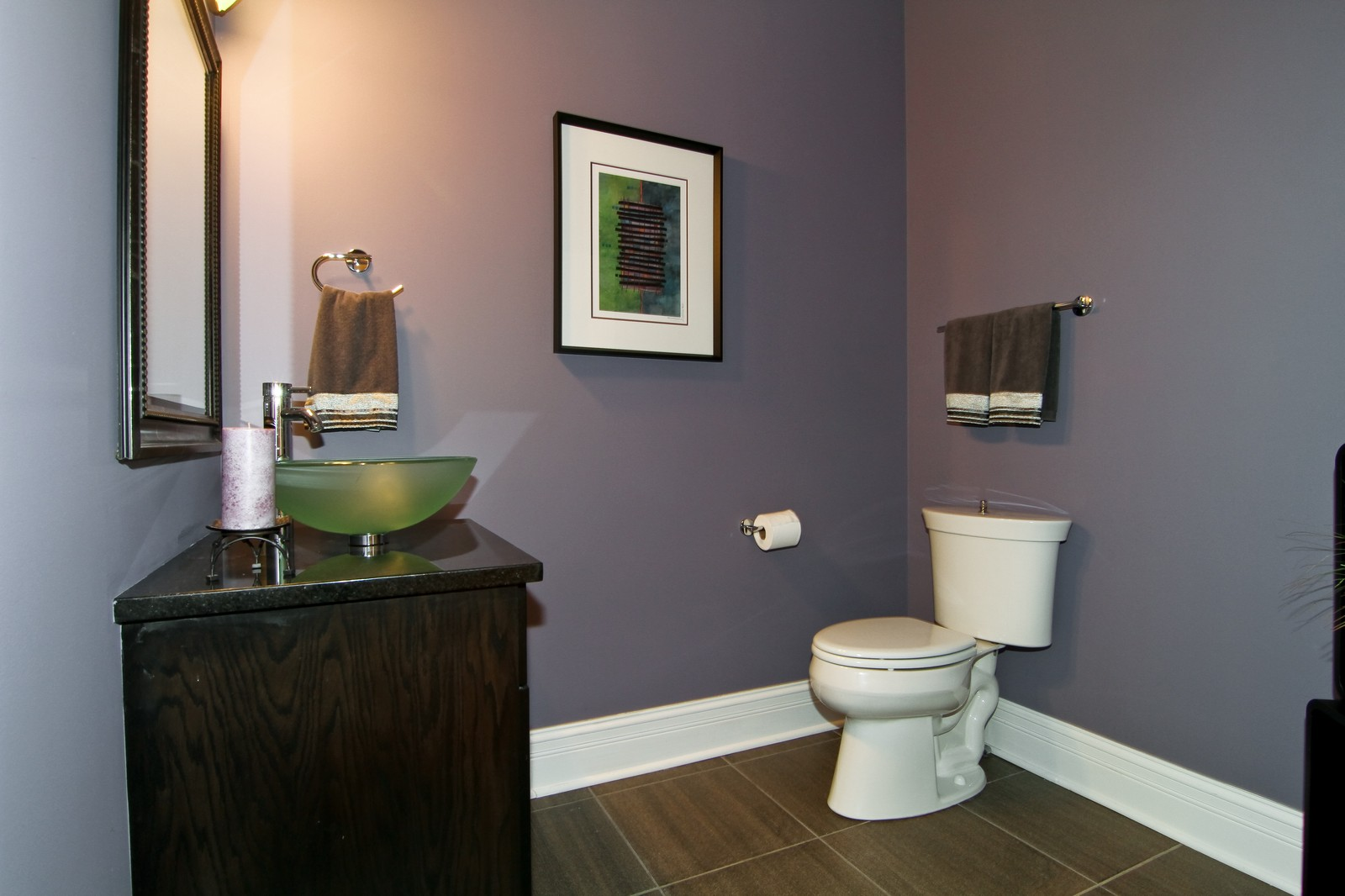 Real Estate Photography - 550 S Linden Ave, Elmhurst, IL, 60126 - 2nd Bathroom