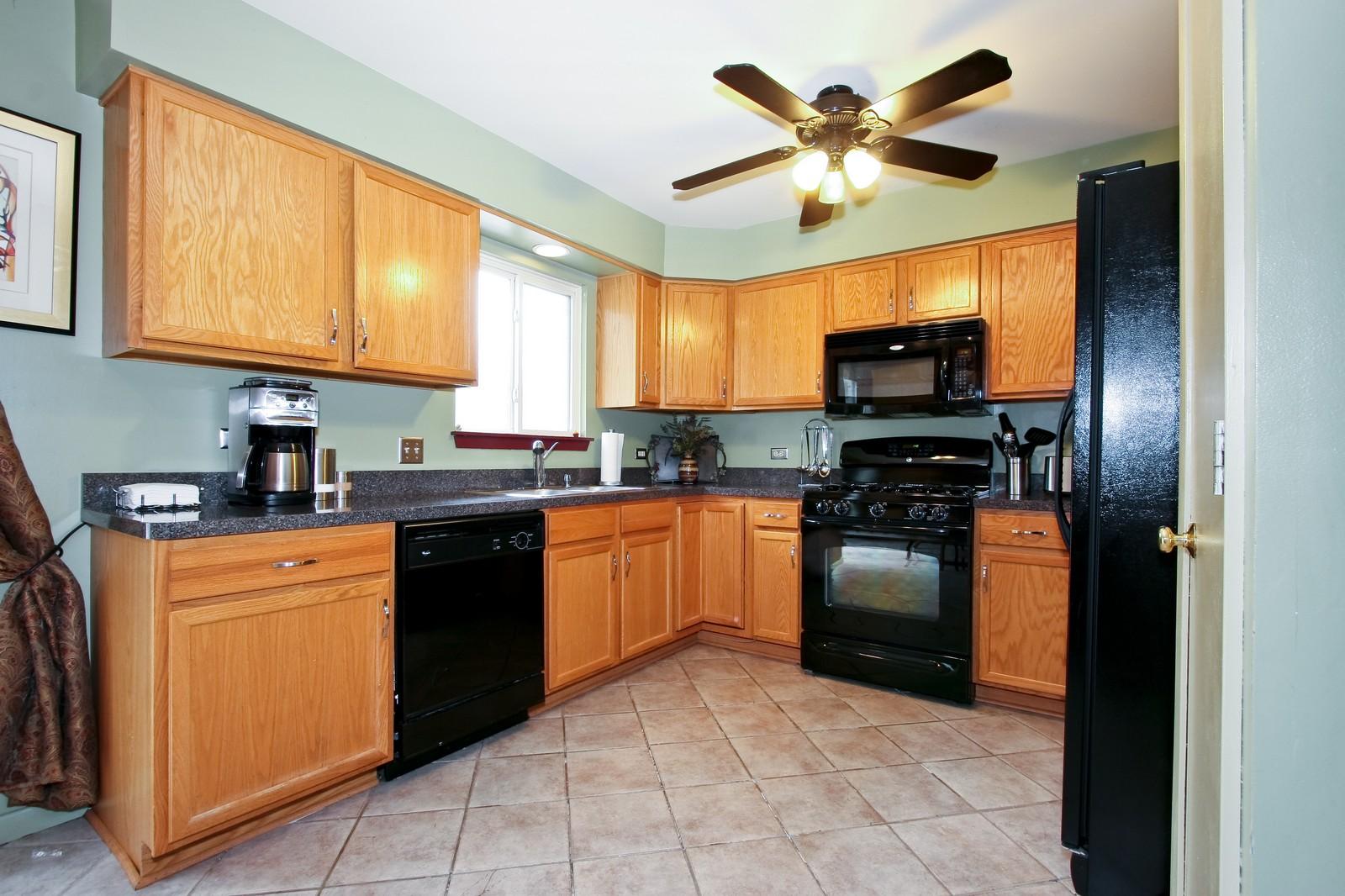 Real Estate Photography - 2637 Grove, Blue Island, IL, 60406 - Kitchen