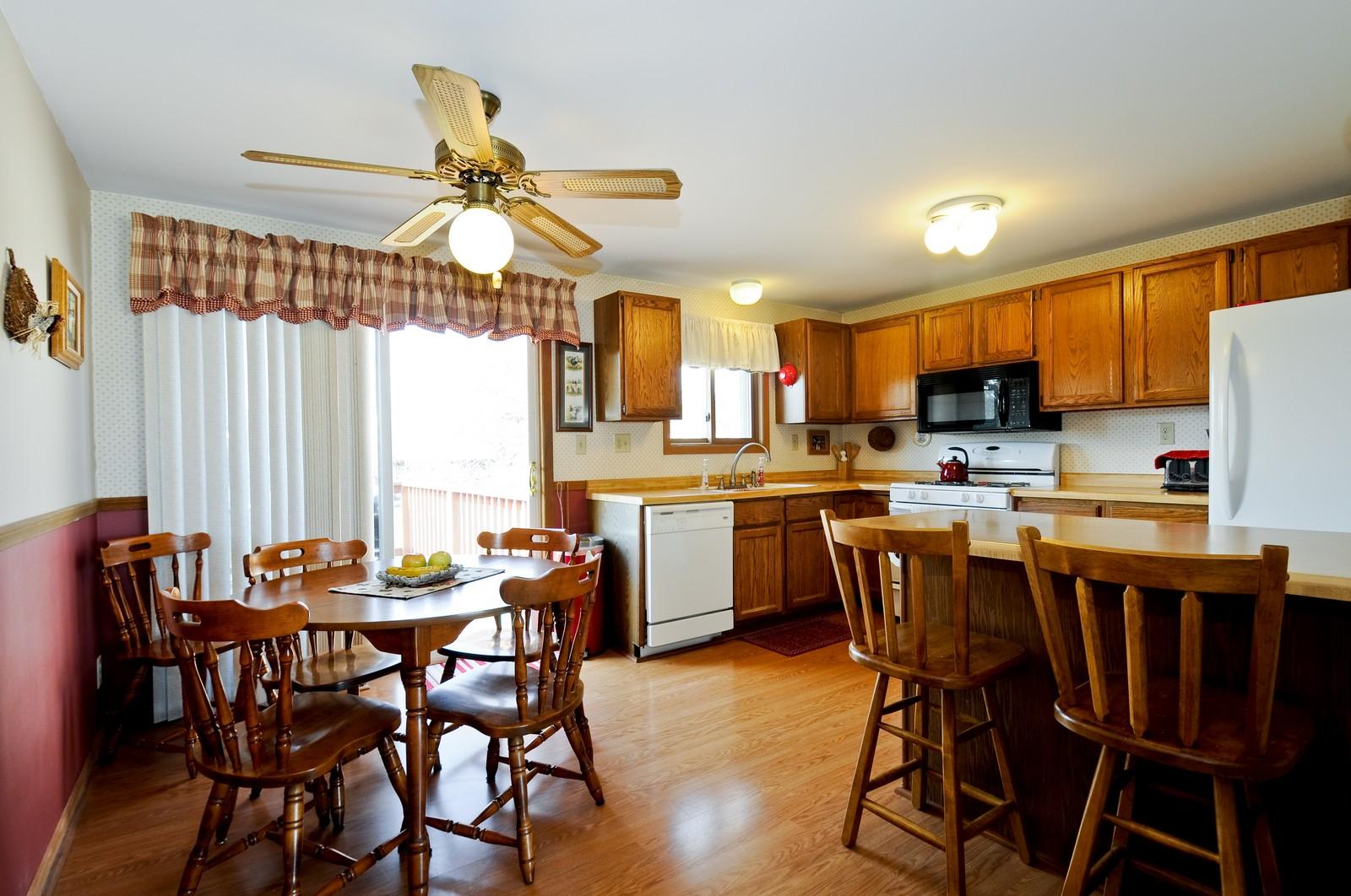 Real Estate Photography - 32606 lia lane, Beecher, IL, 60417 - Kitchen / Breakfast Room