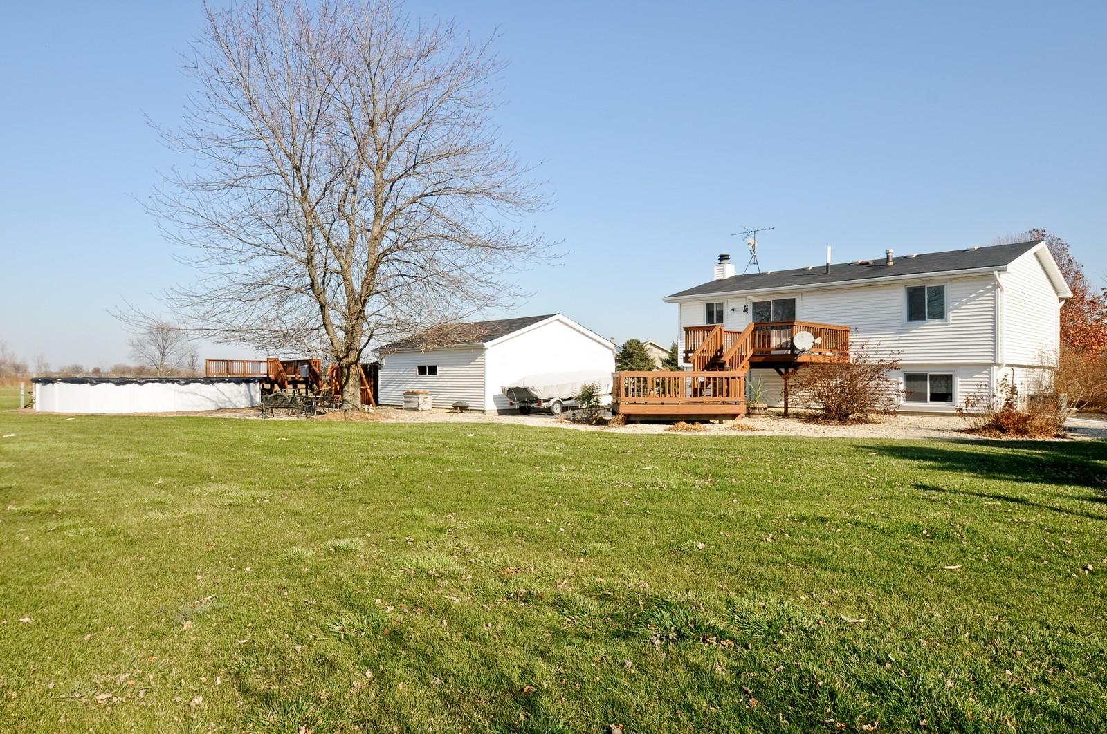 Real Estate Photography - 32606 lia lane, Beecher, IL, 60417 - Back Yard