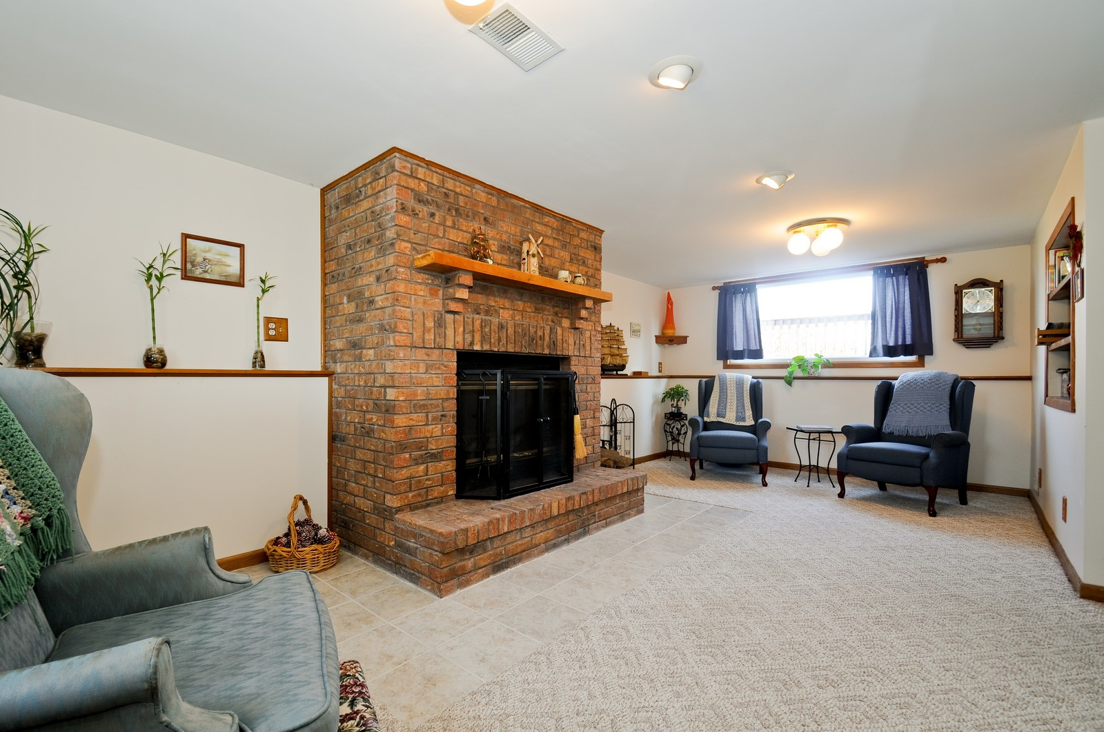 Real Estate Photography - 32606 lia lane, Beecher, IL, 60417 - Family Room