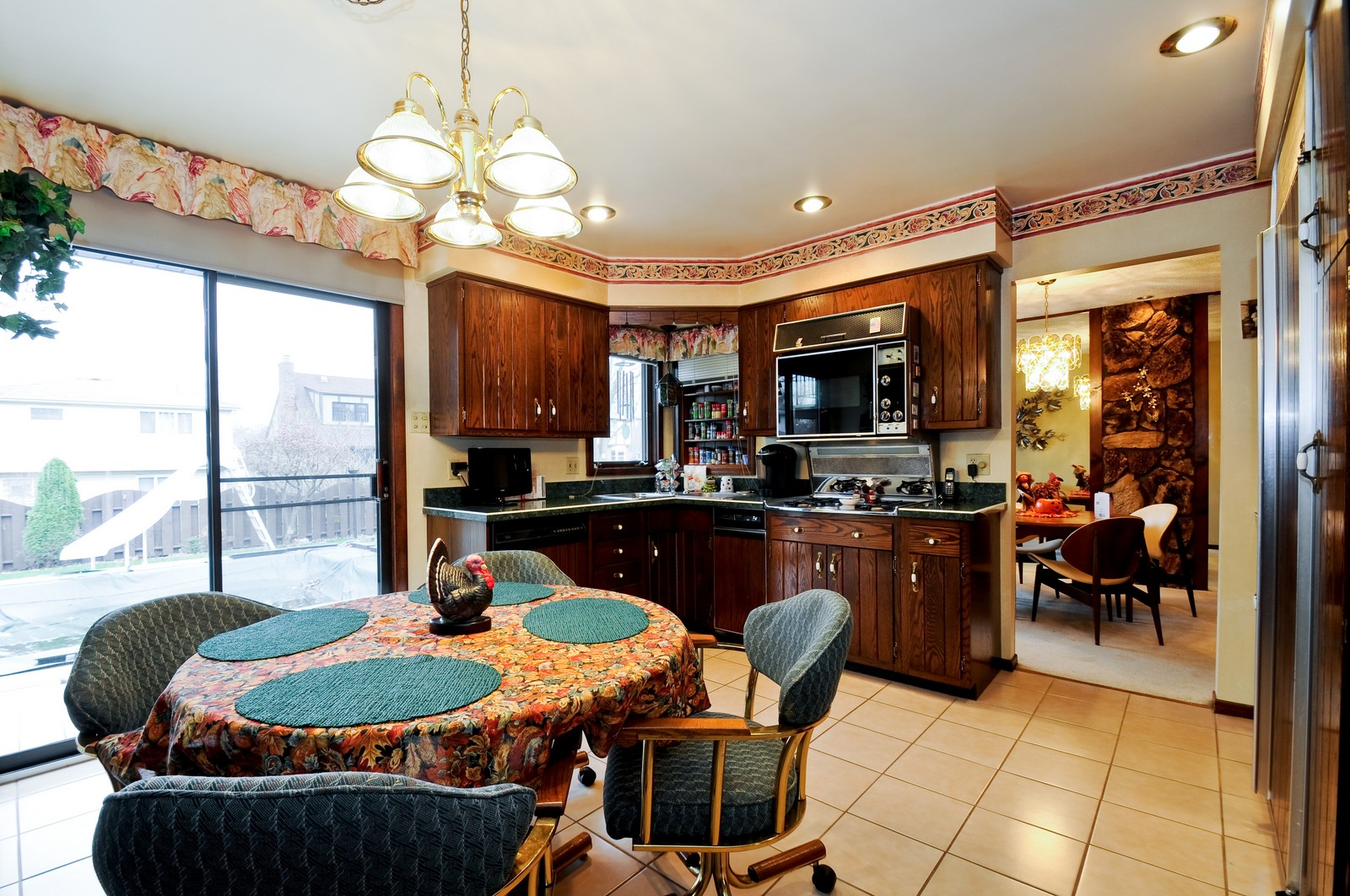 Real Estate Photography - 17837 Maple Street, Lansing, IL, 60438 - Kitchen / Breakfast Room