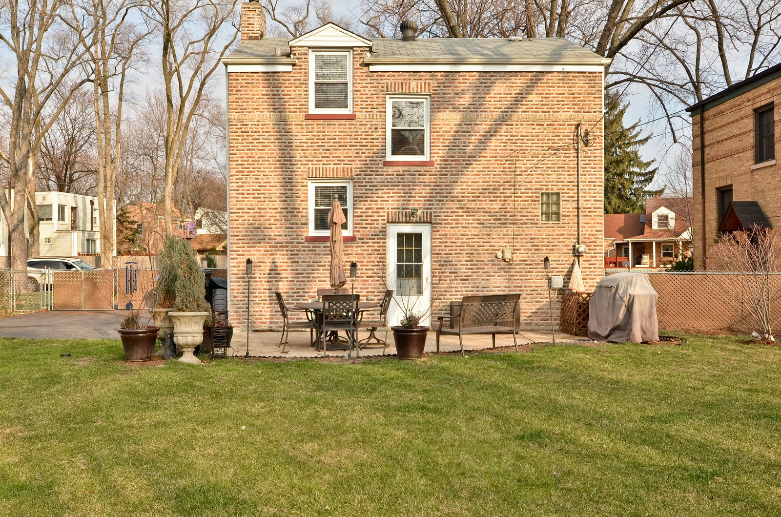 Real Estate Photography - 392 S Cumberland Parkway, Des Plaines, IL, 60016 - Rear View