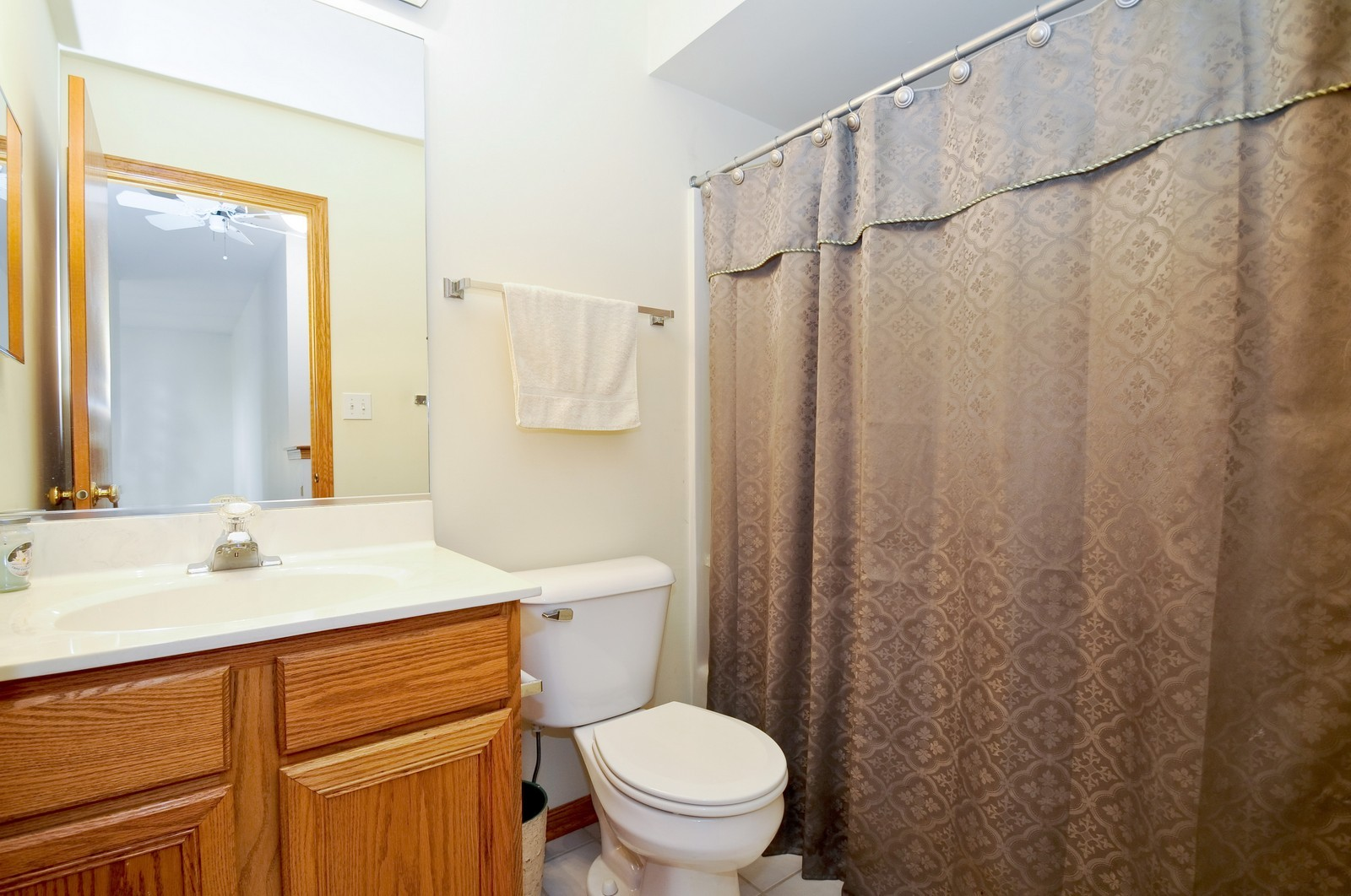 Real Estate Photography - 681 schooner, New Lenox, IL, 60451 - Bathroom