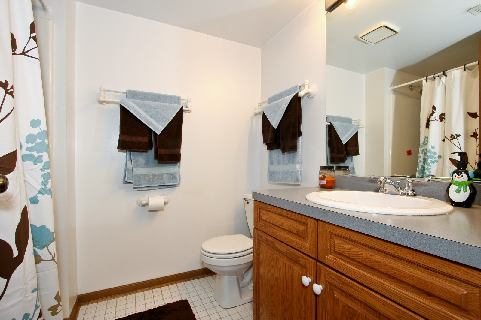 Real Estate Photography - 14764 Kenton, A3S, Midlothian, IL, 60445 - Master Bathroom
