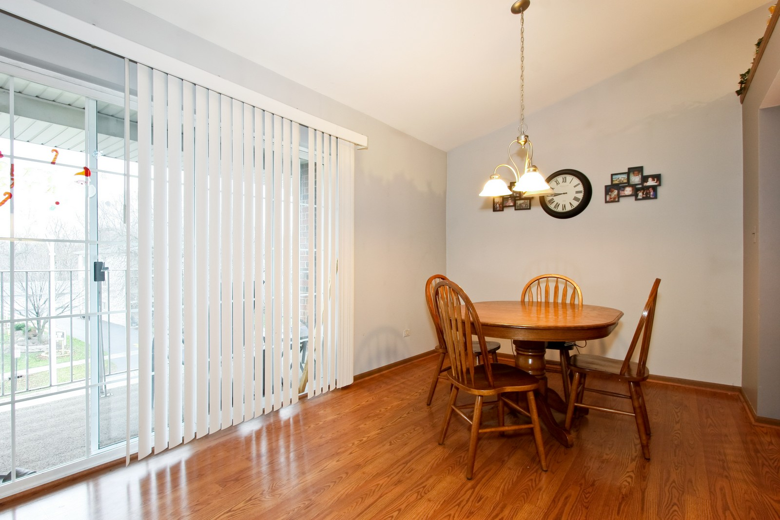 Real Estate Photography - 14764 Kenton, A3S, Midlothian, IL, 60445 - Dining Room