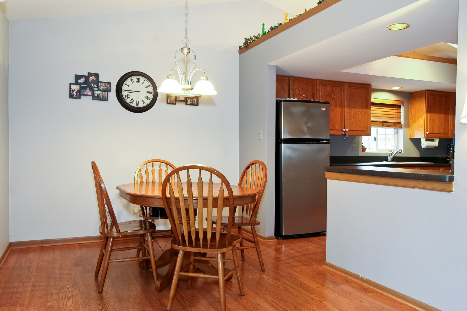 Real Estate Photography - 14764 Kenton, A3S, Midlothian, IL, 60445 - Kitchen / Dining Room