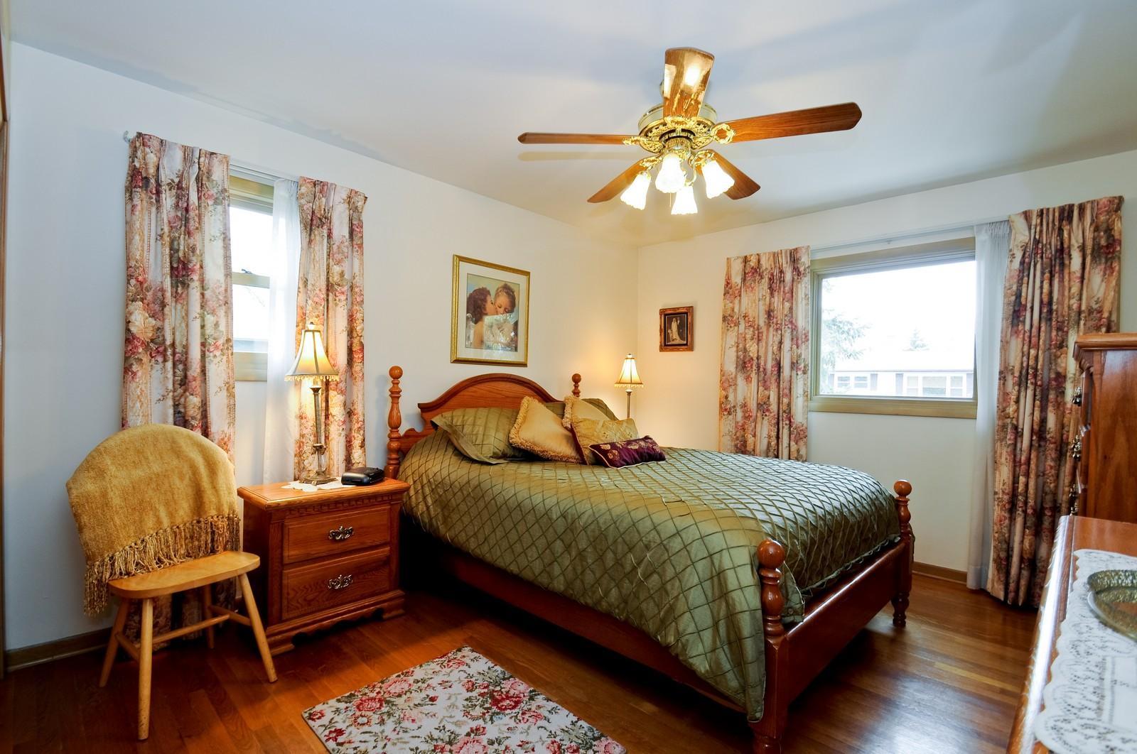 Real Estate Photography - 14812 Parkside Ave, Oak Forest, IL, 60452 - Bedroom
