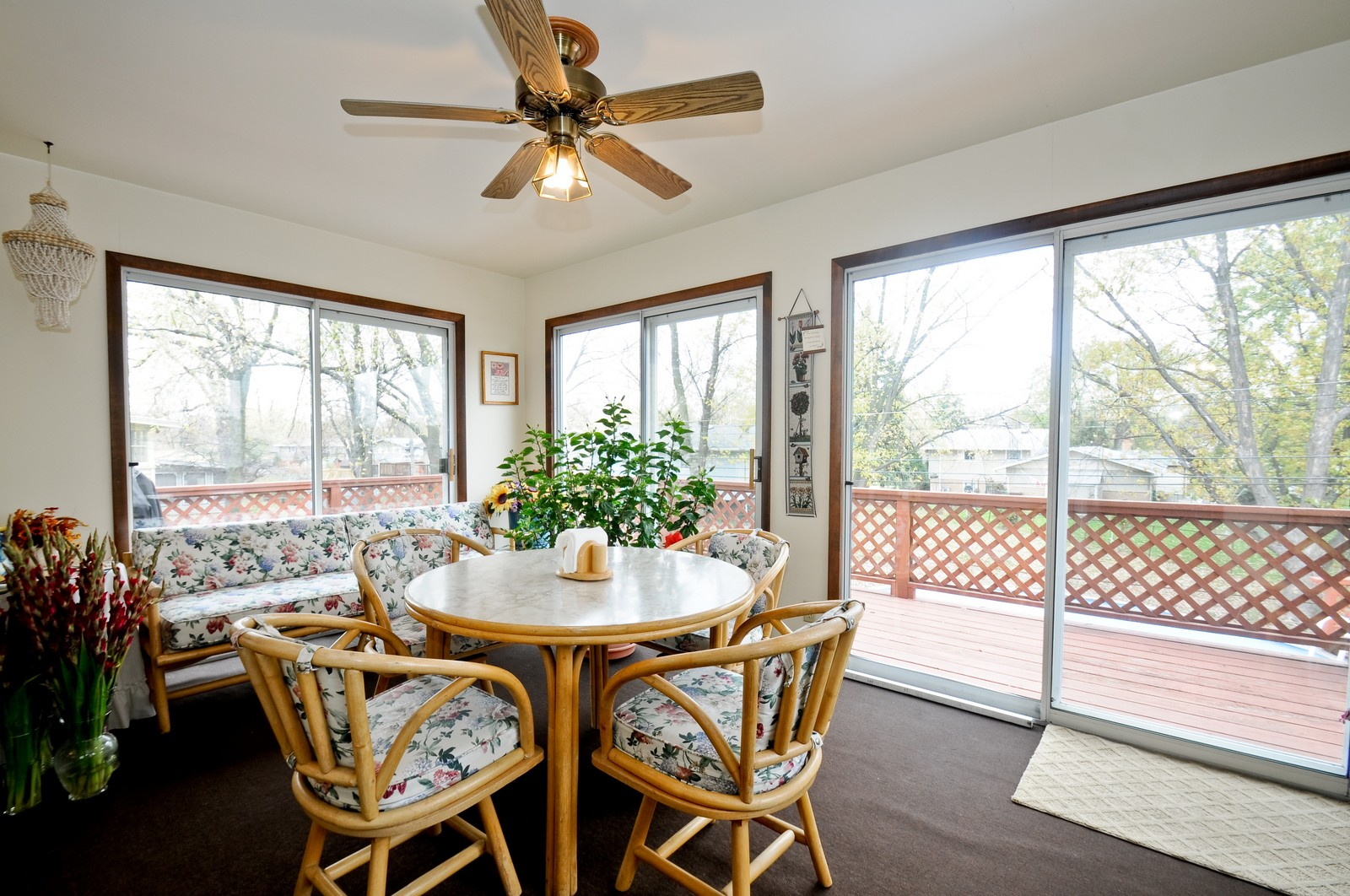 Real Estate Photography - 14812 Parkside Ave, Oak Forest, IL, 60452 - Porch