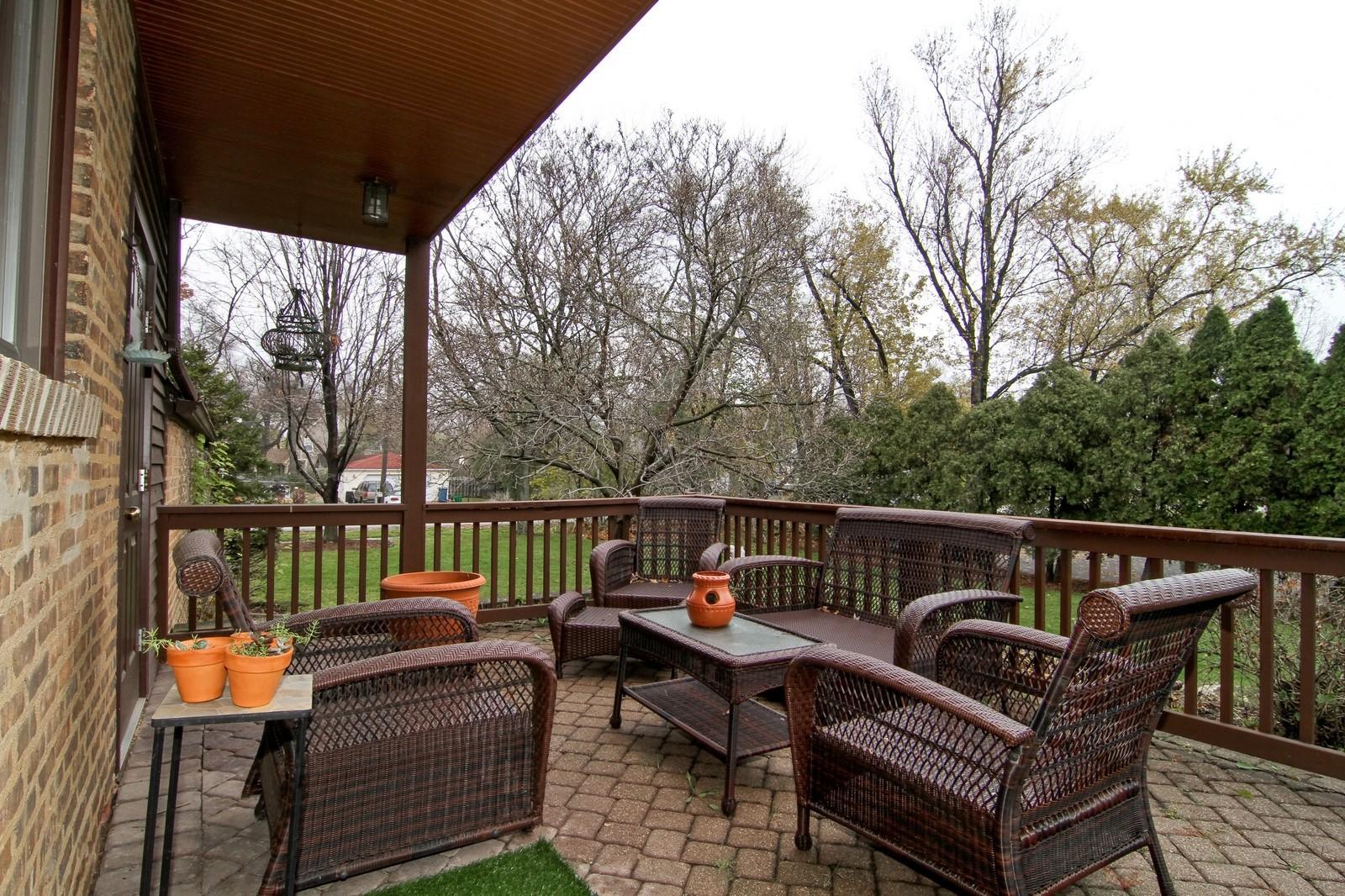 Real Estate Photography - 933 N Main, Glen Ellyn, IL, 60137 - Patio