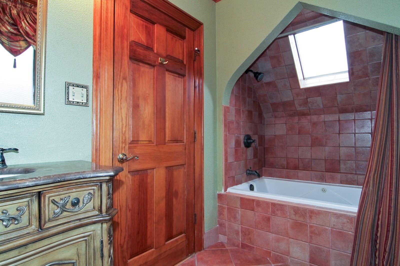 Real Estate Photography - 933 N Main, Glen Ellyn, IL, 60137 - 2nd Bathroom