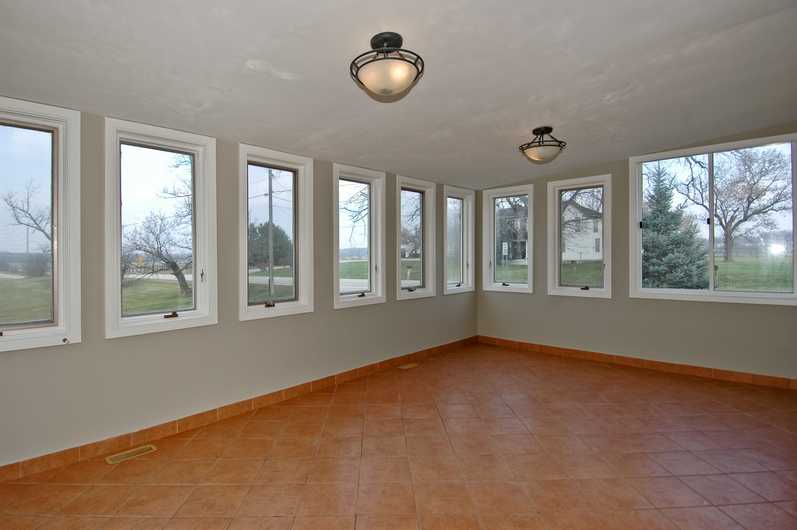 Real Estate Photography - 316 Old Sutton, Barrington Hills, IL, 60010 - Sun Room