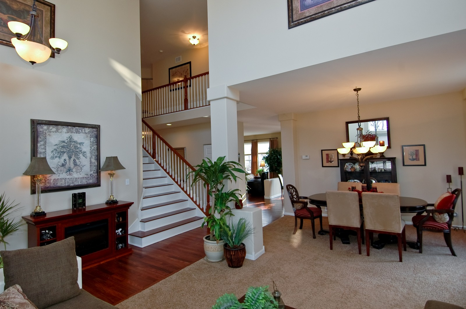 Real Estate Photography - 1581 Summerhill Ln, Cary, IL, 60013 - Foyer/Dining Room