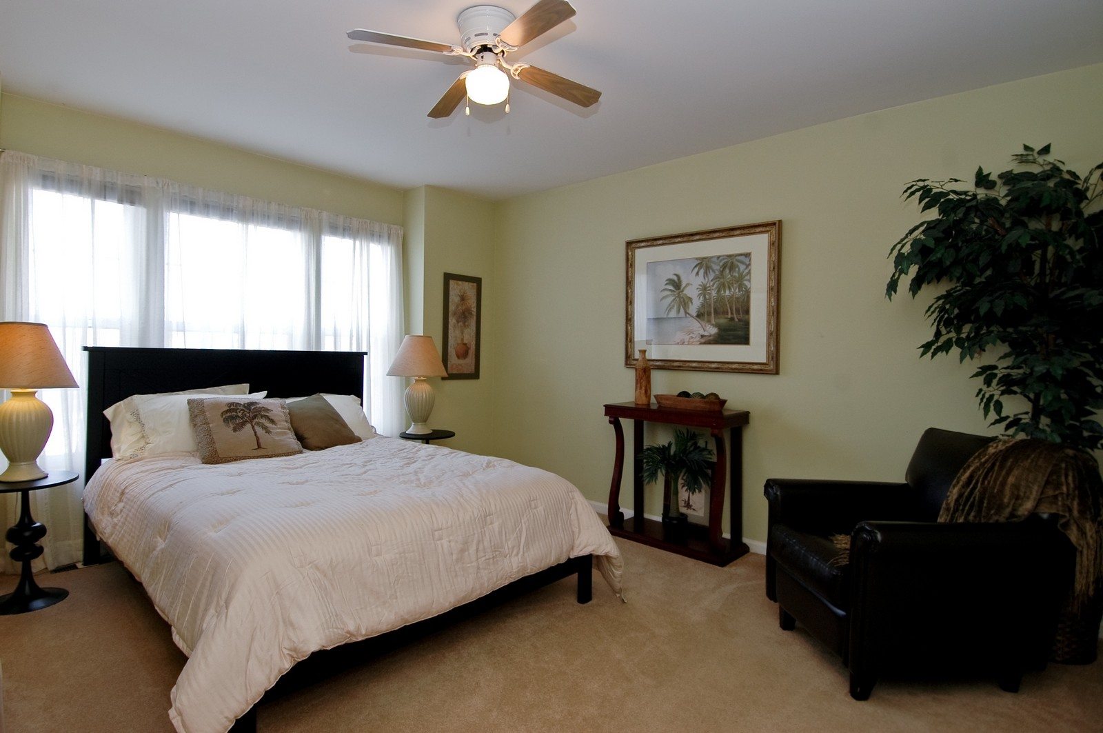 Real Estate Photography - 1581 Summerhill Ln, Cary, IL, 60013 - Bedroom