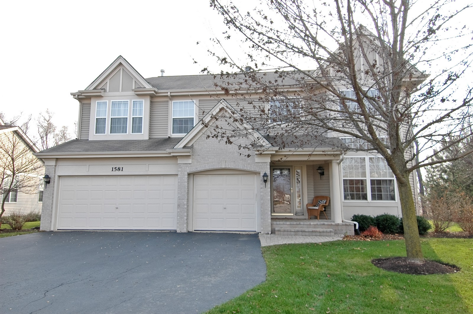 Real Estate Photography - 1581 Summerhill Ln, Cary, IL, 60013 - Front View