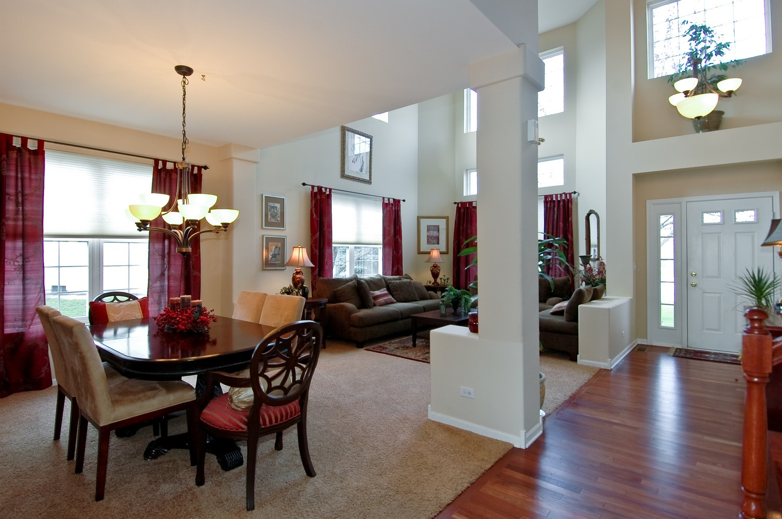 Real Estate Photography - 1581 Summerhill Ln, Cary, IL, 60013 - Kitchen / Living Room