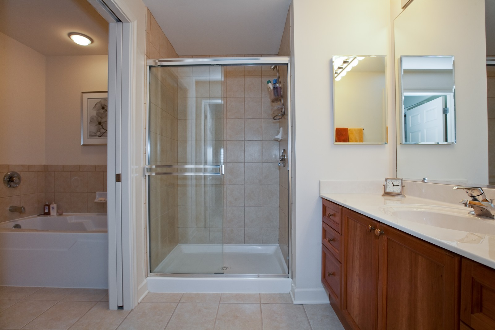 Real Estate Photography - 865 E 22nd St, Unit 510, Lombard, IL, 60148 - Master Bathroom