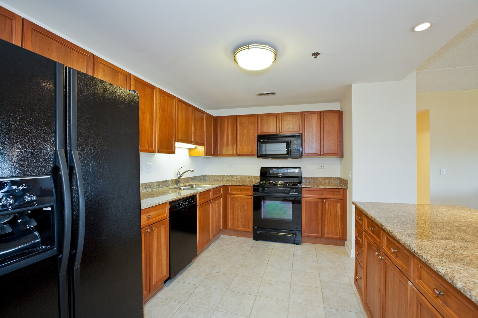 Real Estate Photography - 865 E 22nd St, Unit 510, Lombard, IL, 60148 - Kitchen