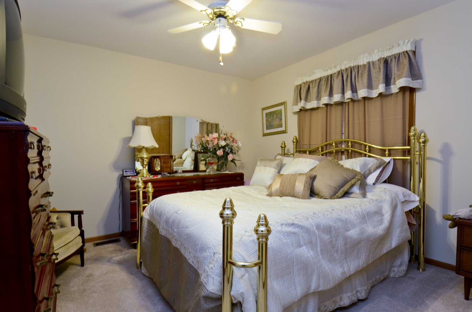 Real Estate Photography - 7229 W 154th St, Orland Park, IL, 60462 - 2nd Bedroom