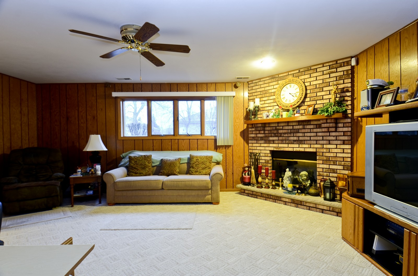 Real Estate Photography - 7229 W 154th St, Orland Park, IL, 60462 - Family Room