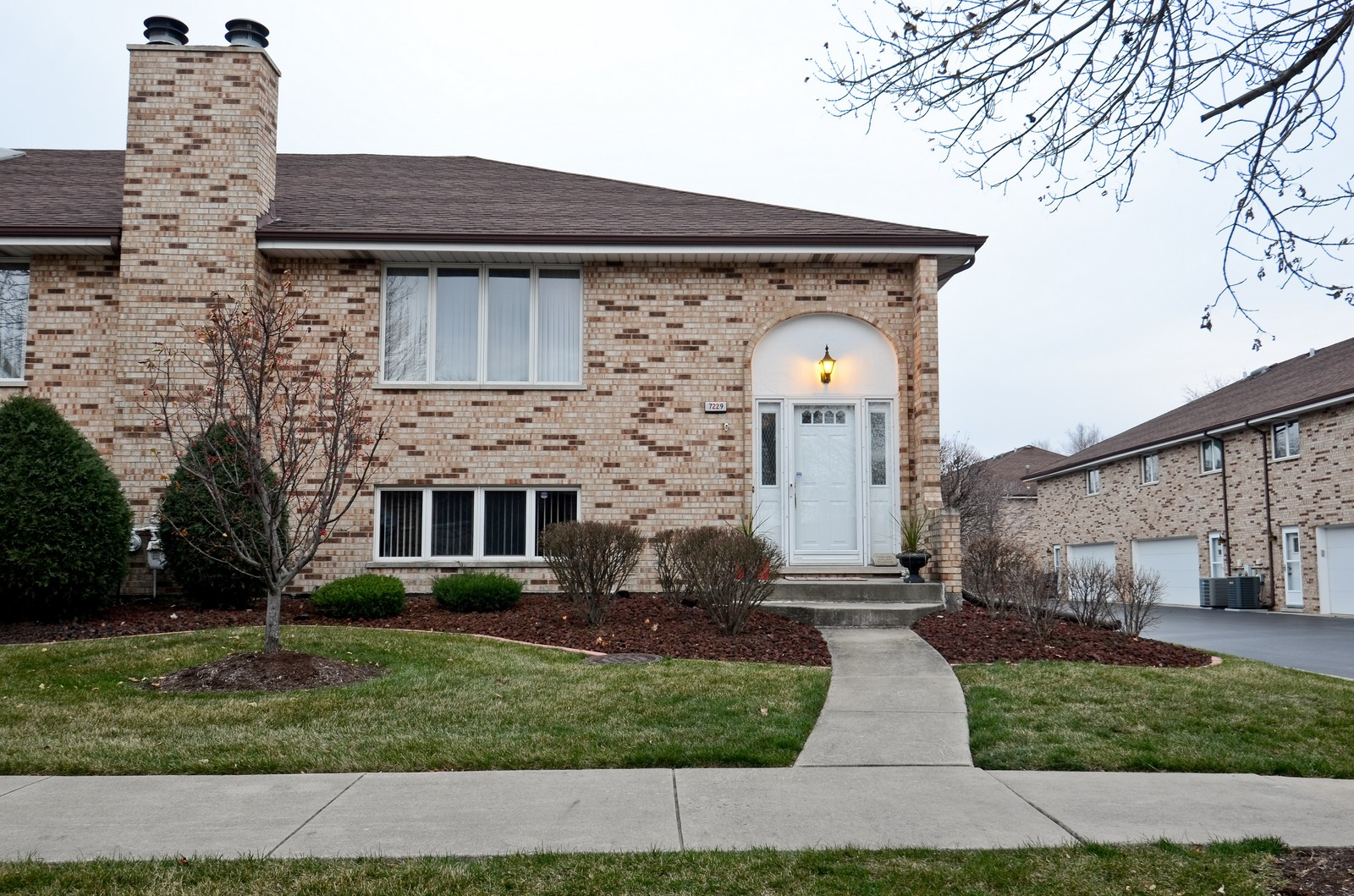 Real Estate Photography - 7229 W 154th St, Orland Park, IL, 60462 - Front View