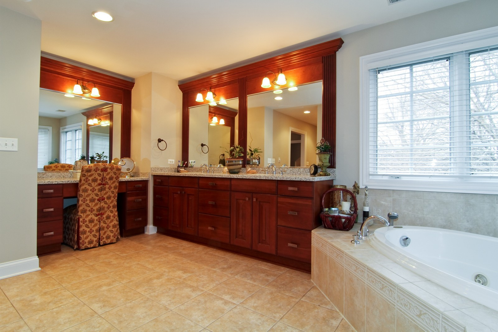 Real Estate Photography - 4418 Harvey, Western Springs, IL, 60558 - Master Bathroom