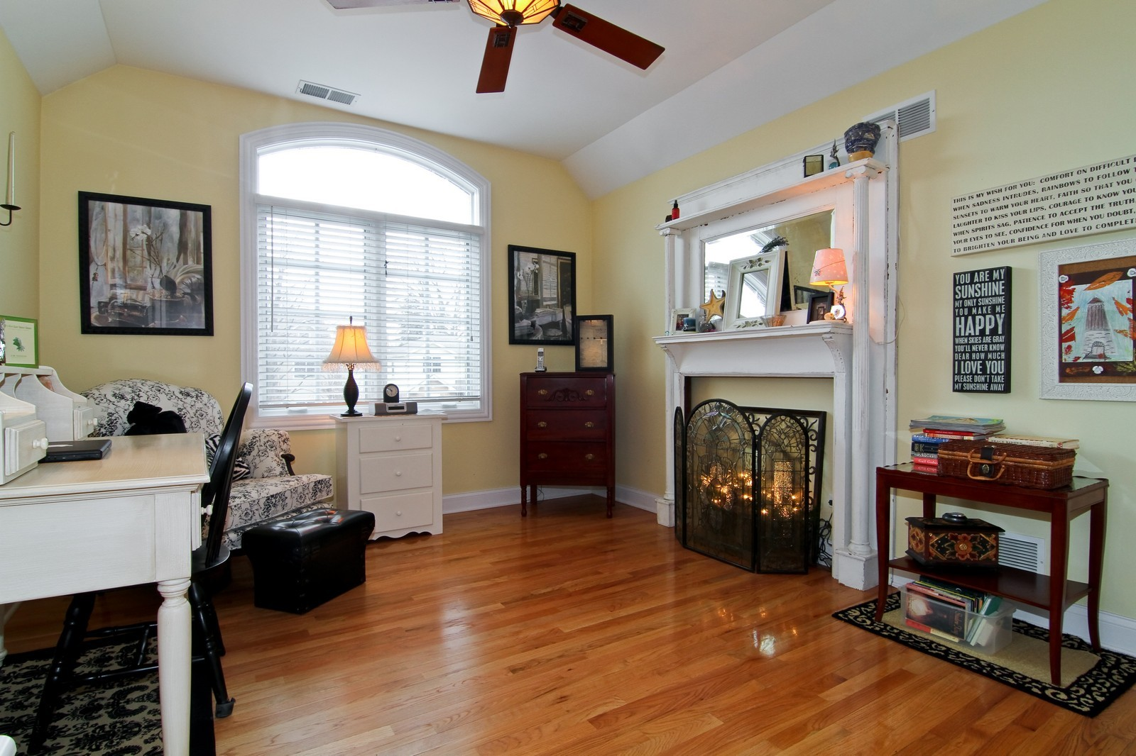 Real Estate Photography - 4418 Harvey, Western Springs, IL, 60558 - 2nd Bedroom