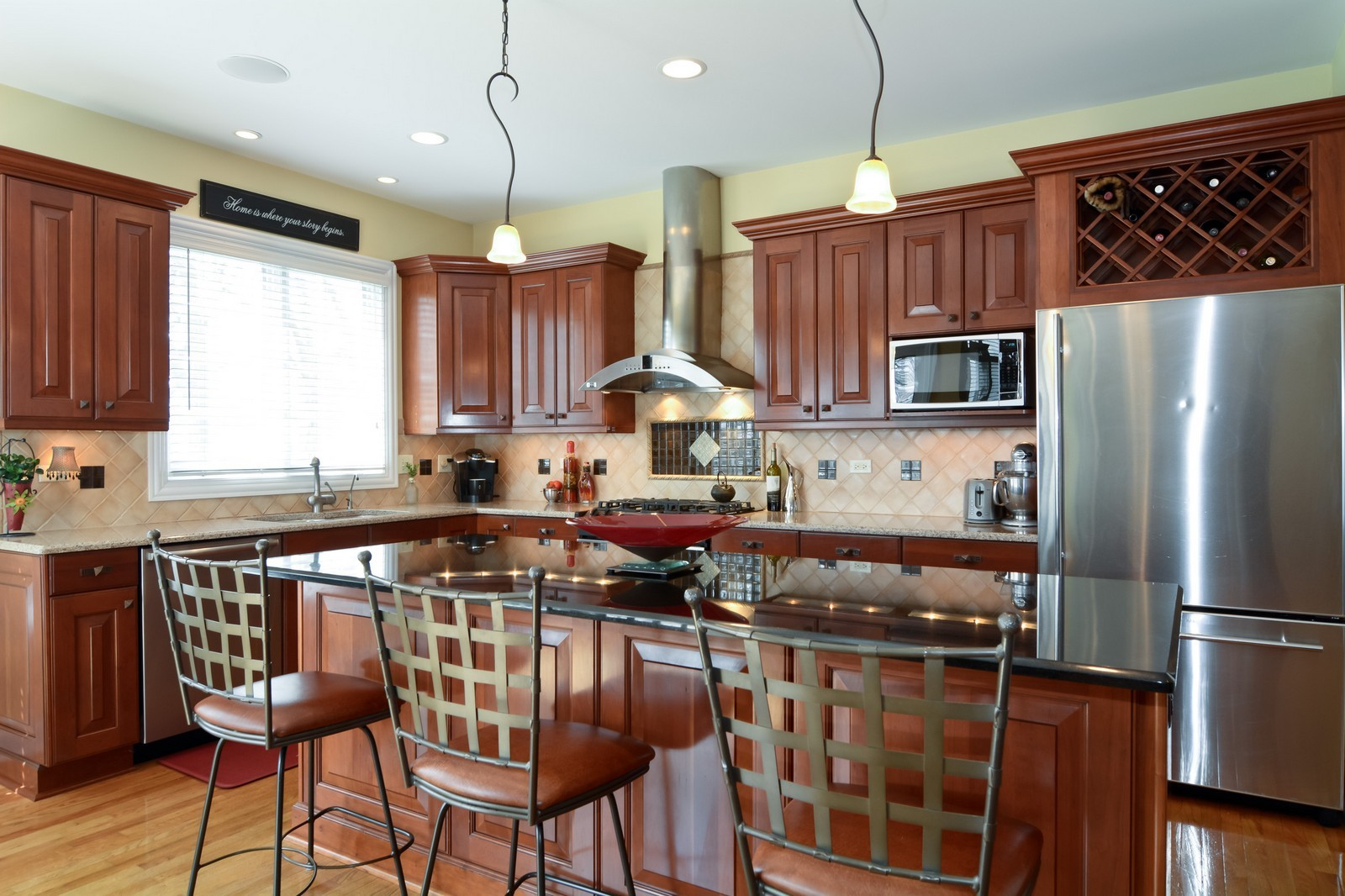 Real Estate Photography - 4418 Harvey, Western Springs, IL, 60558 - Kitchen