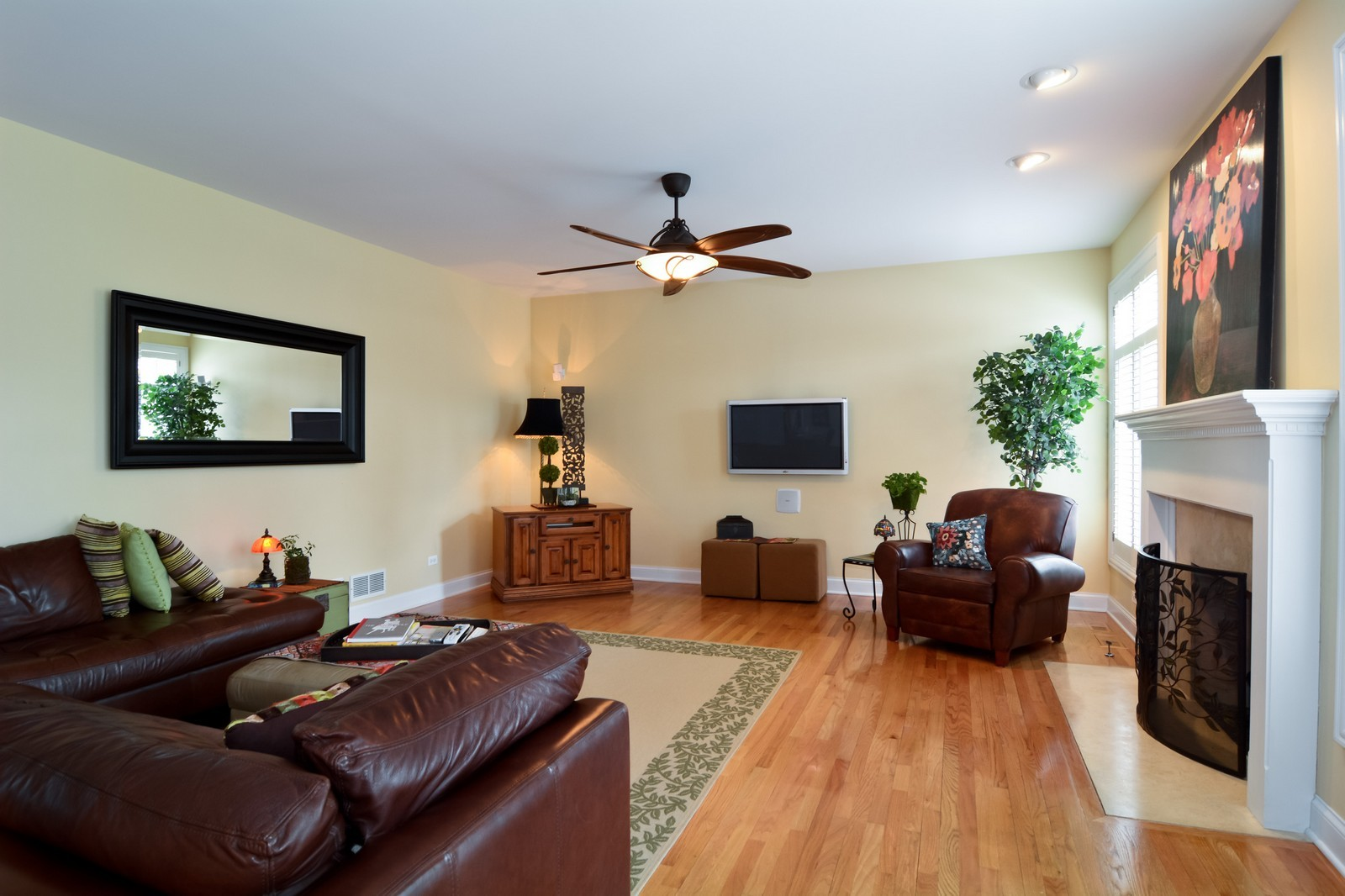 Real Estate Photography - 4418 Harvey, Western Springs, IL, 60558 - Family Room