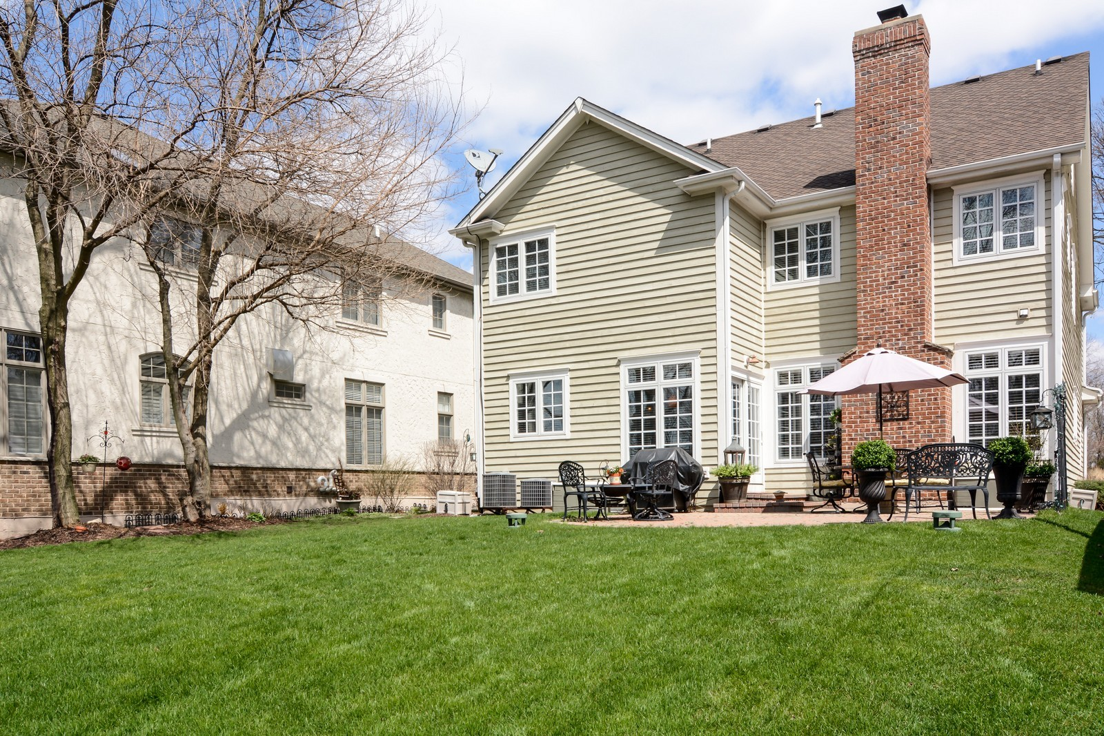Real Estate Photography - 4418 Harvey, Western Springs, IL, 60558 - Rear View