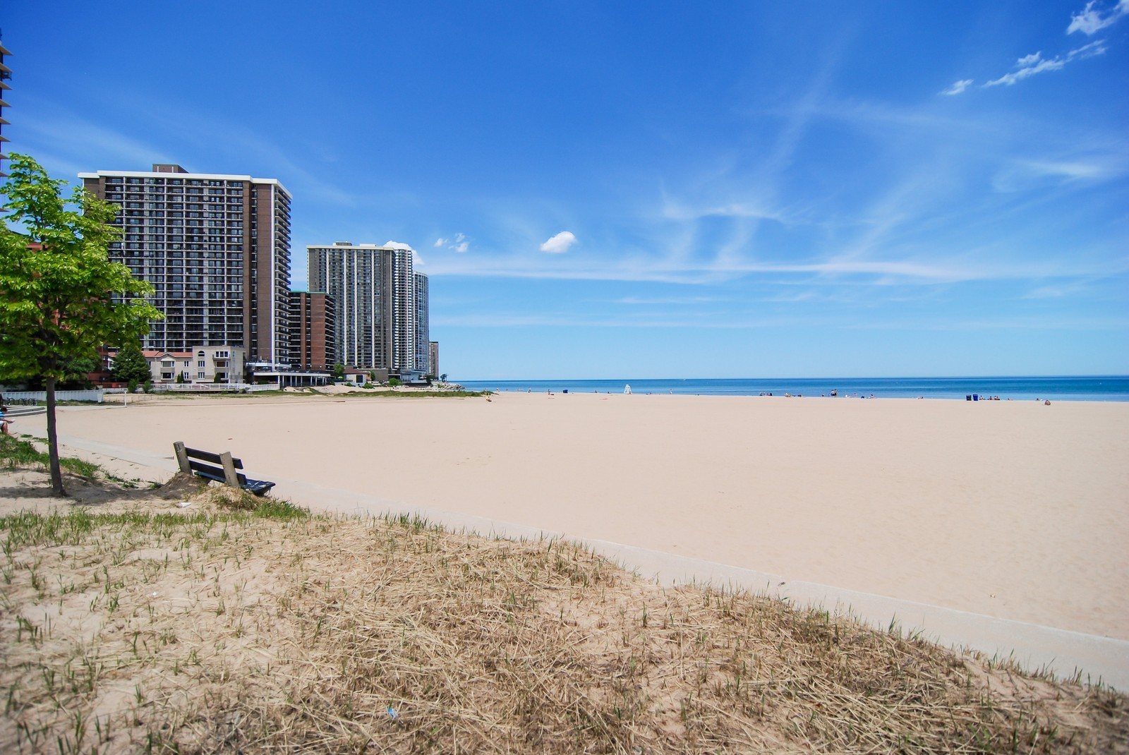 Real Estate Photography - 5733 N Sheridan, Unit 24B, Chicago, IL, 60660 - Beach