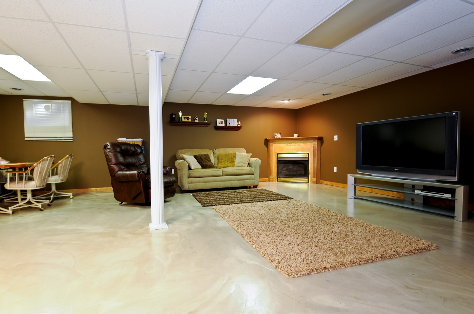 Real Estate Photography - 28 W. 31st Street, Steger, IL, 60475 - Recreational Room