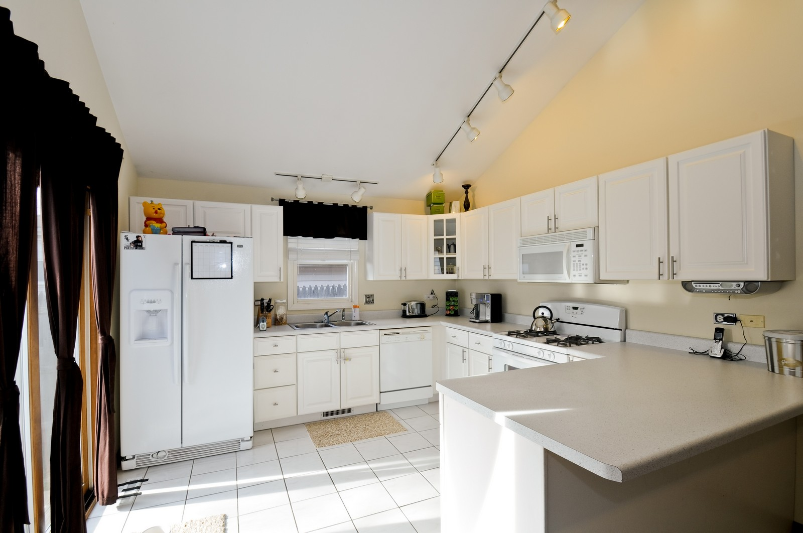 Real Estate Photography - 28 W. 31st Street, Steger, IL, 60475 - Kitchen