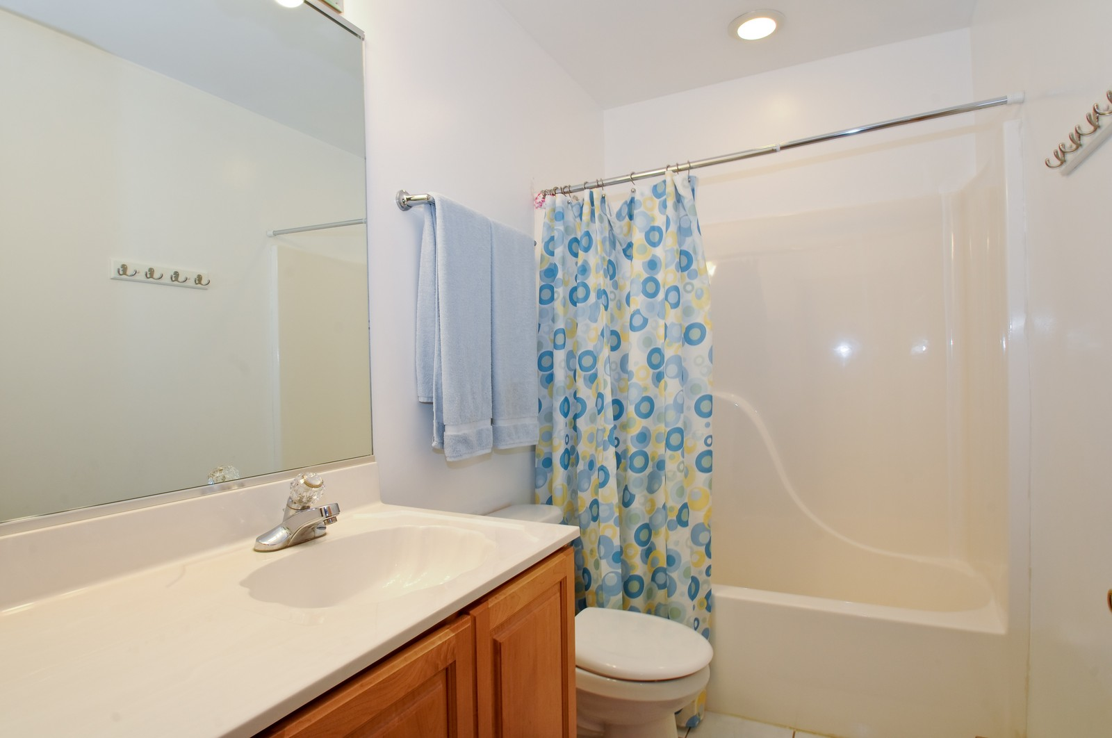 Real Estate Photography - 28 W. 31st Street, Steger, IL, 60475 - Bathroom
