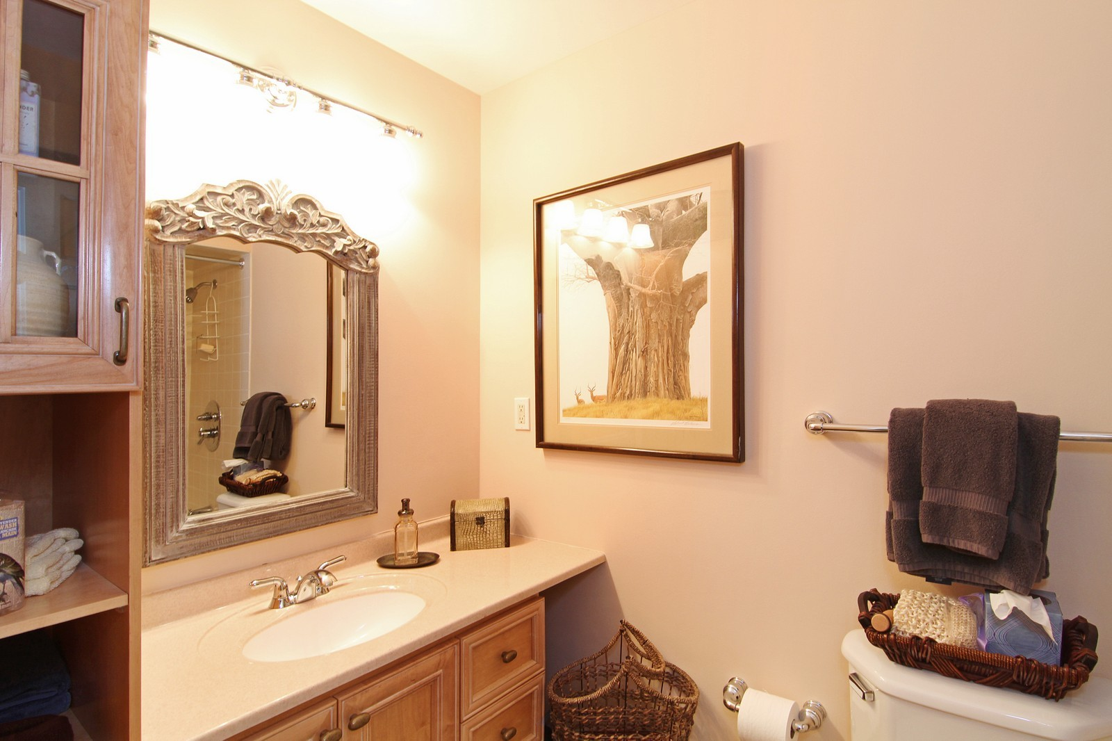 Real Estate Photography - 700 Peck Road, Geneva, IL, 60134 - 4th Bathroom
