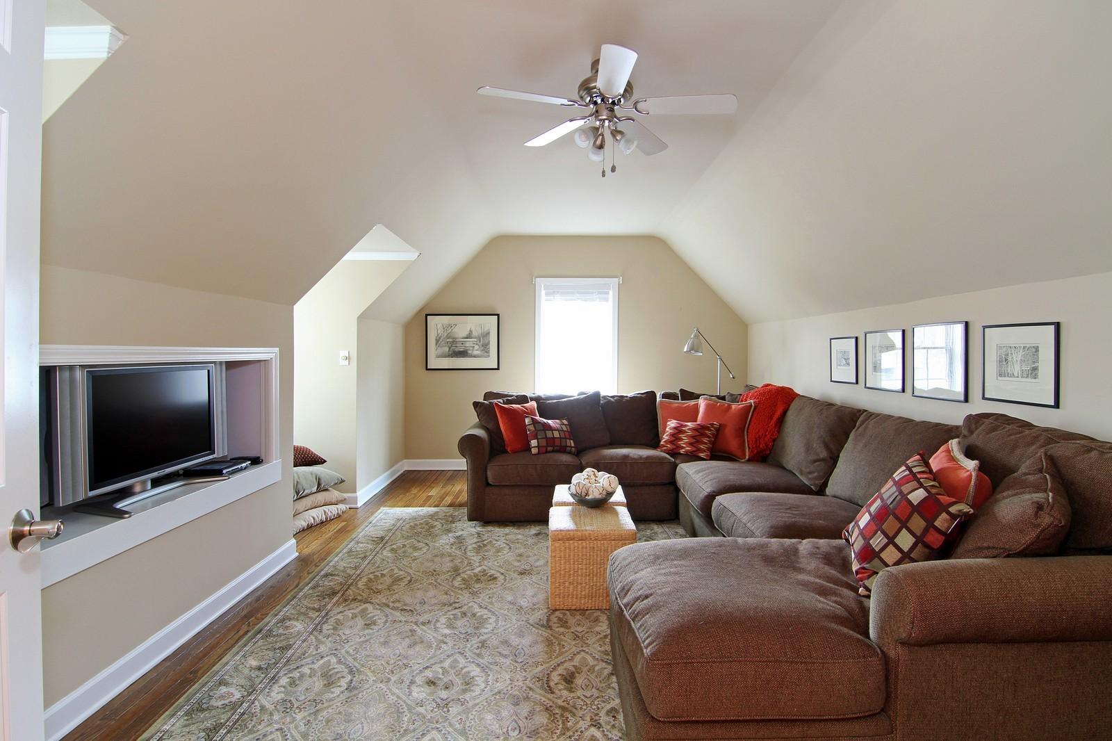 Real Estate Photography - 700 Peck Road, Geneva, IL, 60134 - Bonus Room